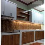 Kitchen Set Dengan Ambalan Di Legenda Wisata Cibubur