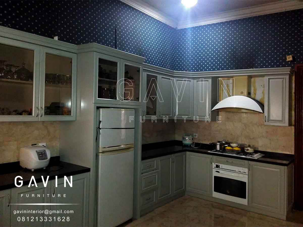 finishing duco lemari dapur klasik kitchen set minimalis