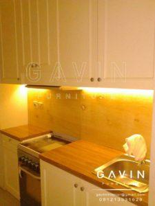 desain lemari dapur custom klasik