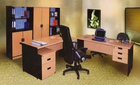 Kiat Membeli Meja Kantor yang Efektif