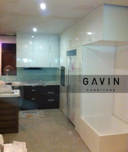 kitchen set minimalis super white glossy gavin