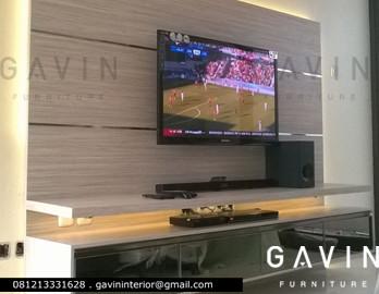 backdrop TV minimalis apartment green andara