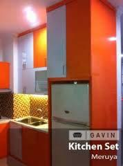 Kitchen Set Minimal Dengan Kabinet Kulkas