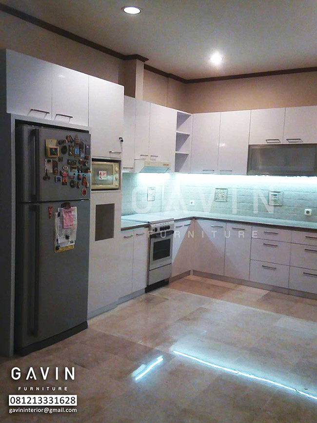 Model Kitchen Set Dengan Kabinet Kulkas Kitchen Set Minimalis