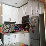 Kitchen Set Bawah Tangga Dengan Finishing Duco