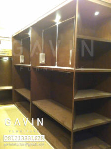 model-walk-in-closet-klien-pondok-bambu