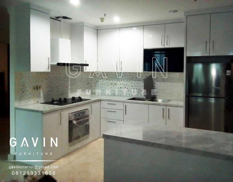 Harga kitchen set kitchen set minimalis lemari pakaian for Kitchen set putih