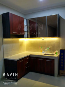 contoh-kitchen-set-minimalis-cermin-bronze