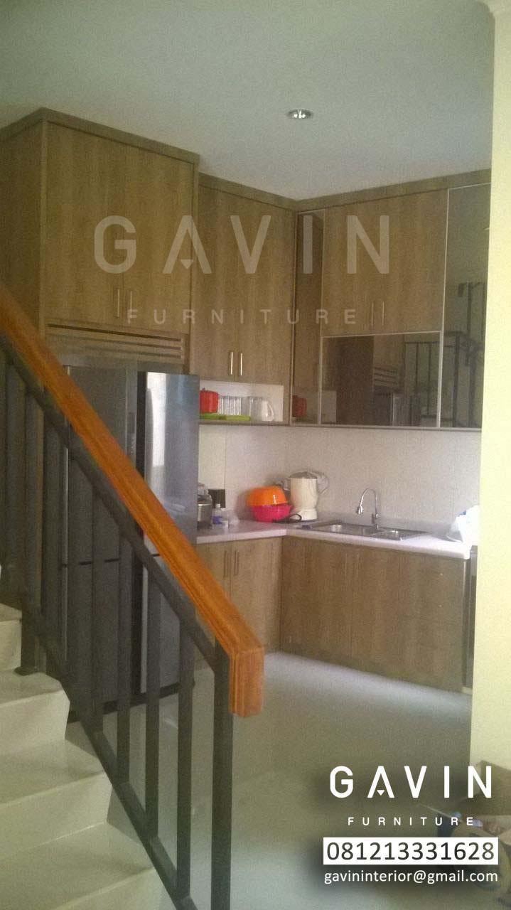 Model kitchen set minimalis bawah tangga hpl di pamulang for Kitchen set bawah