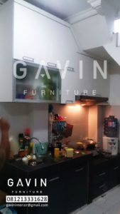 model lemari dapur bawah tangga