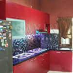 gambar kitchen set minimalis finishing hpl merah maroon Q2586