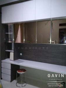 lemari buffet minimalis modern kombinasi kaca