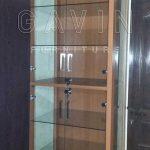 lemari pajangan finshing HPL dan kaca