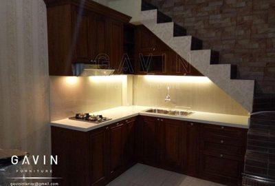 furniture kayu solid dengan finishing melamik dapur bawah tangga Q2748