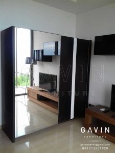 lemari-pintu-sliding-kaca-finishing-hpl-project-di-seafront-Q2816