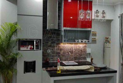 kabinet dapur bersih minimalis finishing HPL Taco light grey kombinasi kaca Q2860
