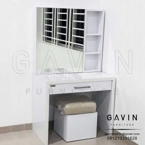 Meja Rias Putih Dengan Cermin Project Cengkareng Q2972