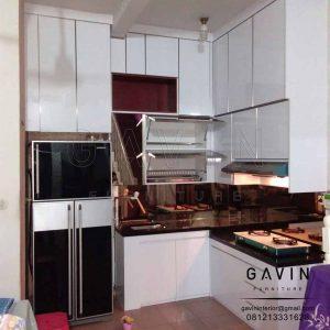 lemari dapur backsplash cermin finishing hpl glossy untuk dapur project Latumenten Q2978
