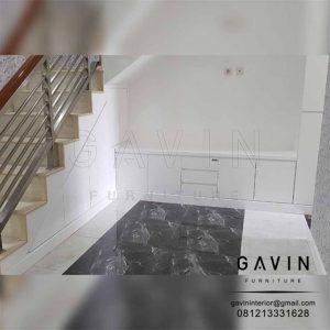 gambar lemari di bawah tangga warna putih minimalis by Gavin Q2776