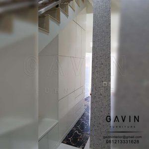 lemari di bawah tangga finishing duco minimalis glossy Q2776