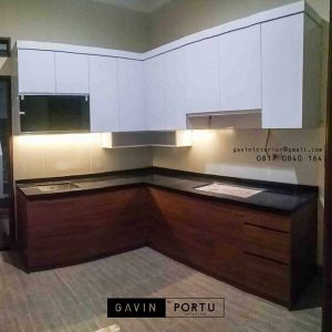 pembuatan kitchen set kombinasi warna coklat putih by Gavin id3330
