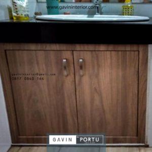 Ide Model Kabinet Wastafel HPL Coklat Project Lamandau Kebayoran Baru Gavin by Portu