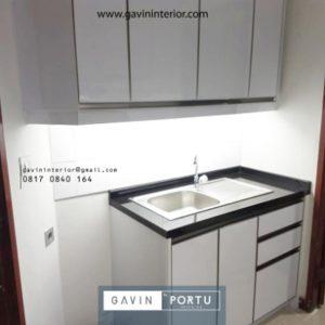 Gambar Desain Lemari Dapur Kecil Sederhana Di Apartemen Taman Anggrek JakBar Gavin by Portu