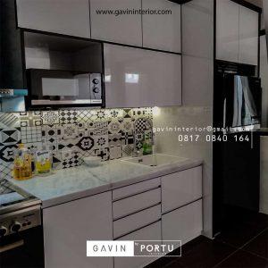 Kitchen Set Minimalis Warna Putih di Perumahan Discovery Serenity Bintaro Pondok Aren id4362