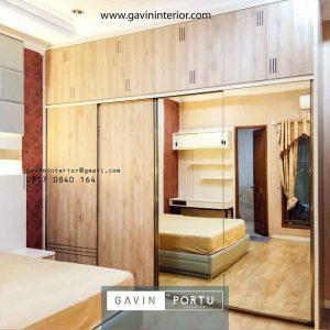 gambar wardrobe minimalis motif kayu kombinasi kaca cermin