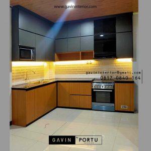 Buat Kitchen Set Motif Kayu Kombinasi Warna Black Perumahan Modernland Cikokol Tangerang id4773pt