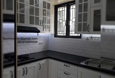 Kitchen Set Design Klasik Putih Perumahan Laverde Cluster Lunaire Serpong Utara