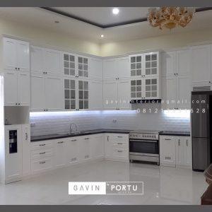 Design Kitchen Set Semi Klasik Putih Kampung Parung Cikasungka Solear Tangerang Banten ID4991P
