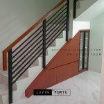 Lemari Bawah Tangga Minimalis Motif Kayu Perumahan Metro Permata 1 Karang Tengah Id5162P