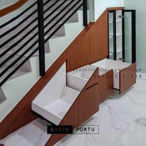 Lemari Bawah Tangga Minimalis Motif Kayu Perumahan Metro Permata 1 Karang Tengah Tangerang Id5162P